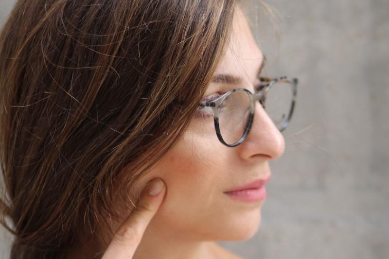Astigmatizem se zdravi z očali